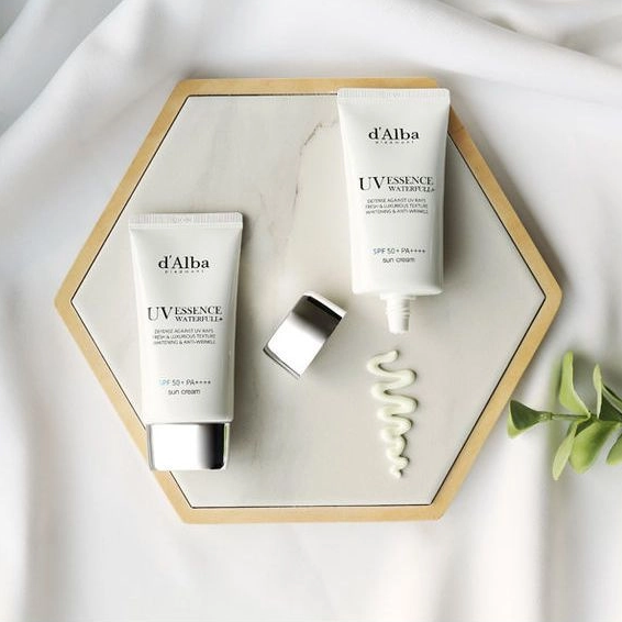 d'Alba Waterfull Essence Sun Cream SPF50 + PA ++++ k beauty